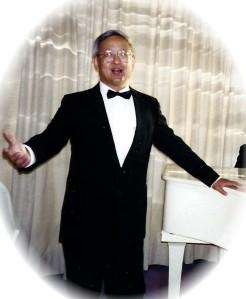 Benno 1995-singing vig